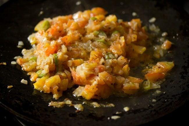 tomatoes to make tawa mushroom masala recipe