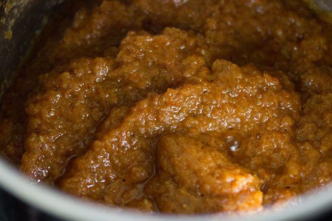 preparing jammu style rajma masala recipe