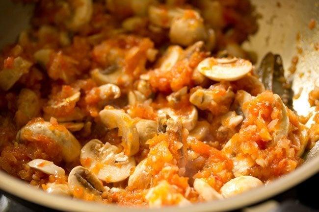 mushrooms to make pasta in red sauce recipe
