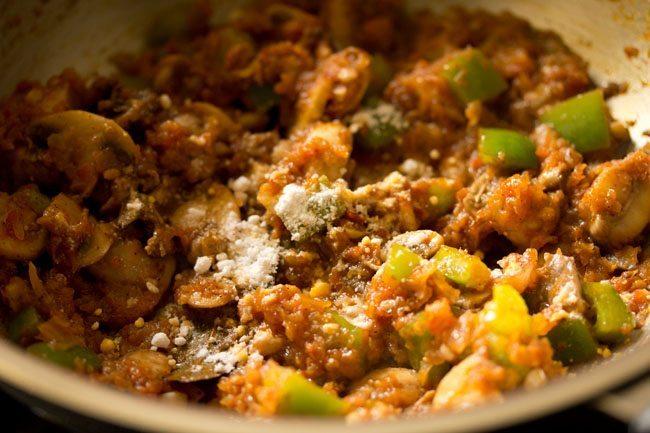 salt for preparing pasta in red sauce recipe