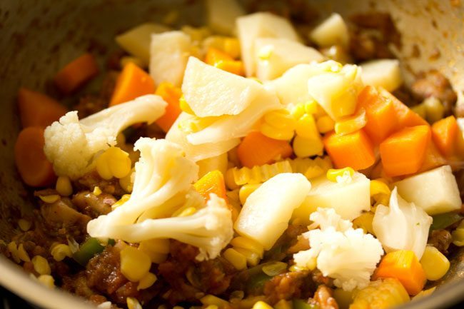 veggies for preparing pasta in red sauce recipe
