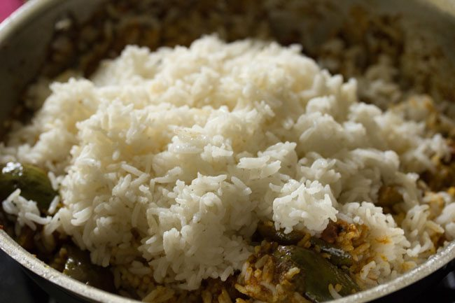 preparing karnataka style vangi bath recipe