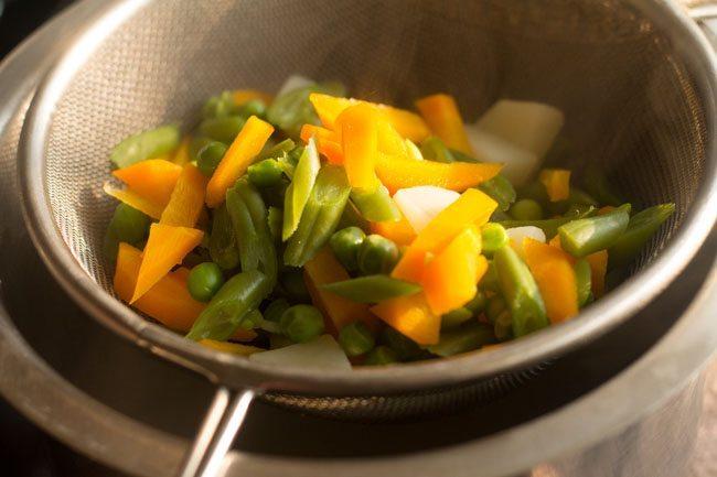 veggies for seviyan upma recipe