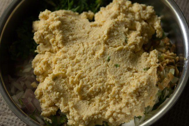 preparing veg vada recipe