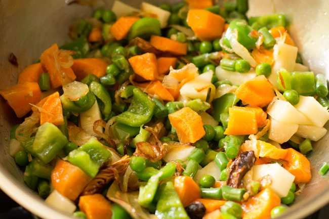 veggies to make lucknowi biryani recipe