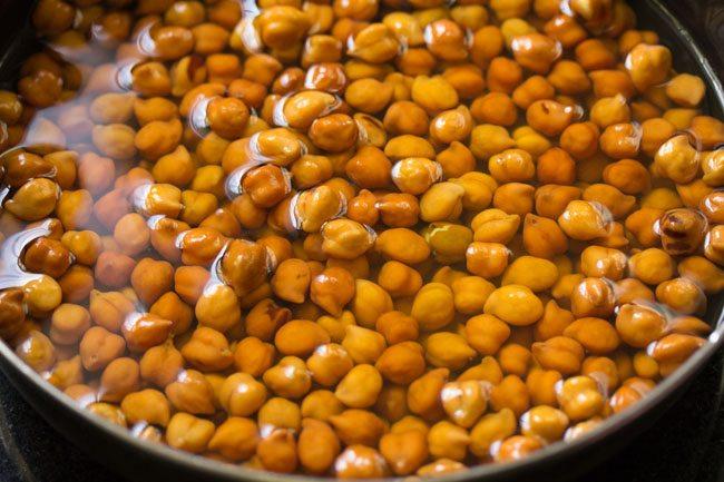 kala chana for kala chana ghugni recipe