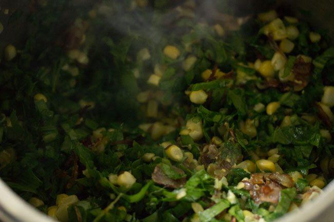 spinach for making makai palak pulao recipe