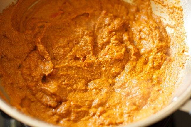 preparing paneer kolhapuri recipe