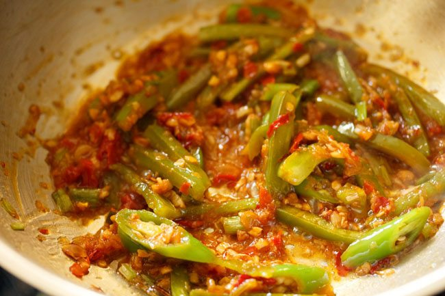 preparing schezwan paneer recipe