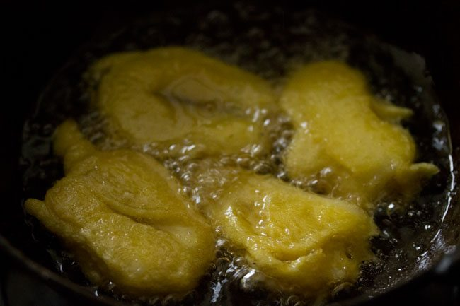 frying - making pazham pori recipe
