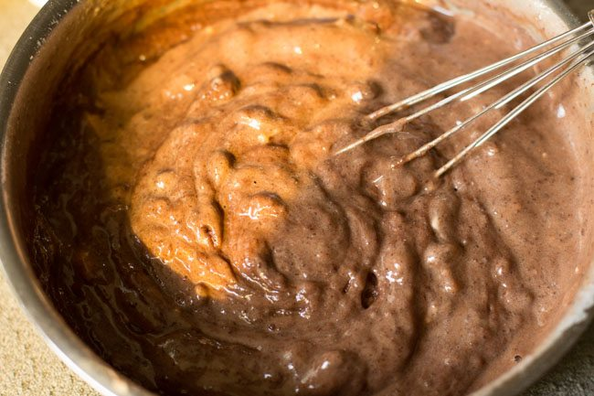 making eggless chocolate cake in pressure cooker recipe