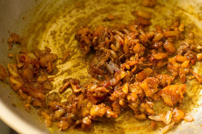 preparing rajma masala sandwich recipe