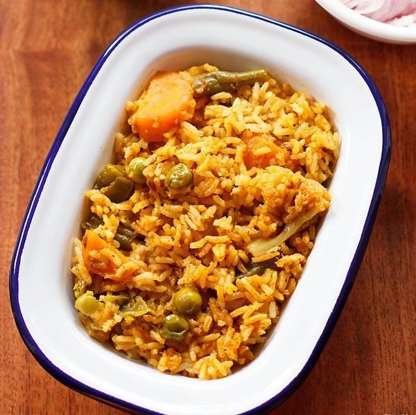 vegetable biryani recipe in cooker, south indian vegetable biryani recipe,