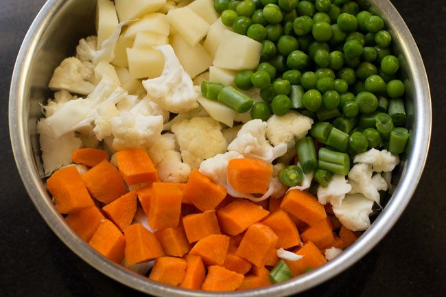 veggies for veg kathi rolls recipe