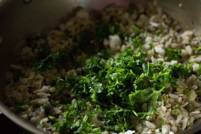 matar poha recipe, matar chura recipe