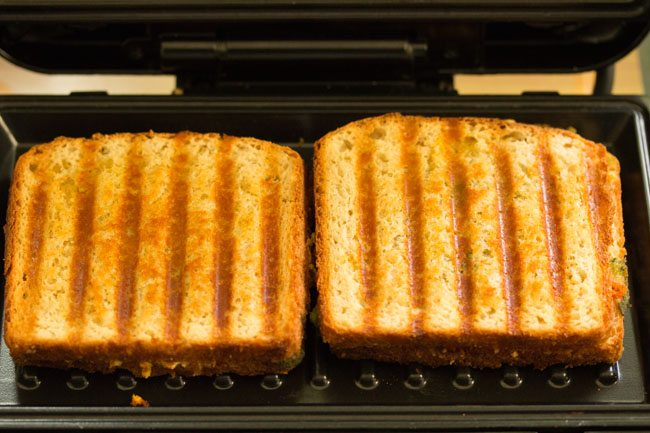 preaparing paneer sandwich recipe