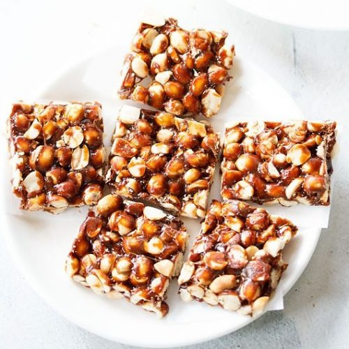peanut chikki recipe, moongphali gur chikki recipe, groundnut chikki recipe