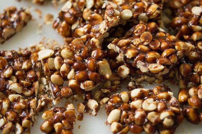 peanut chikki recipe, peanut brittle recipe, chikki recipe