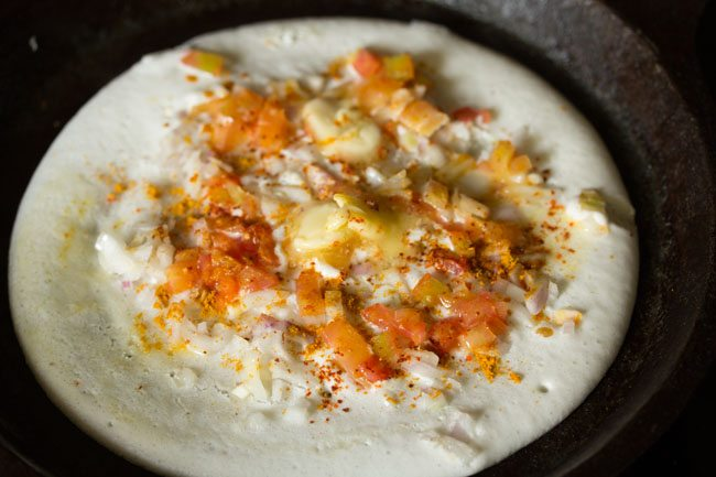 preparing masala uttapam recipe