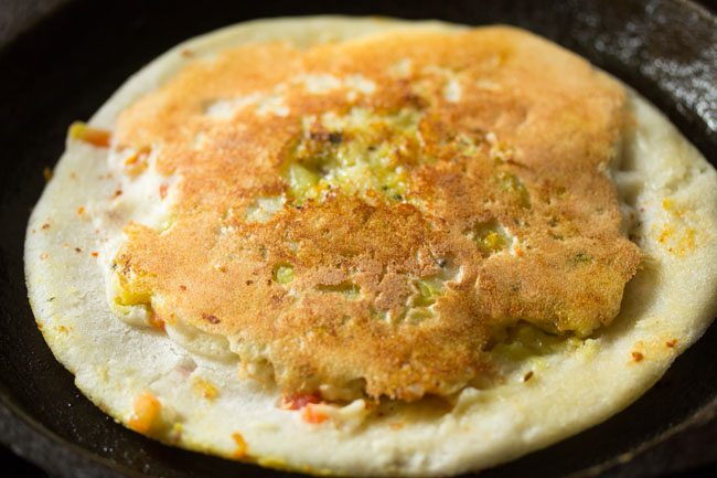 preparing sandwich uttapam recipe