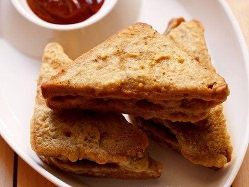 bread pakora recipe with stuffed potatoes