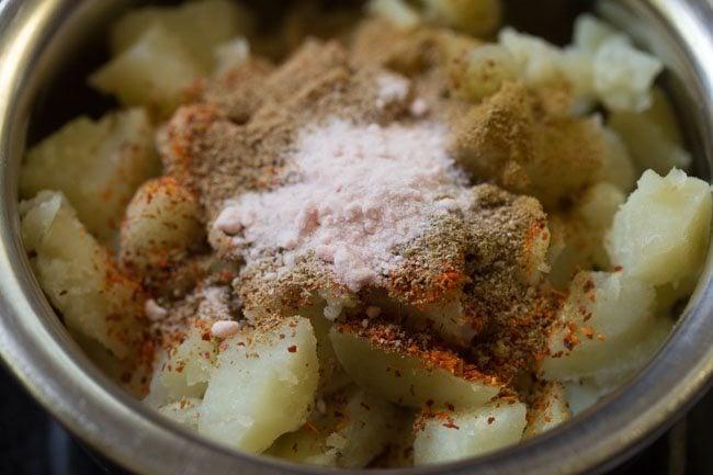 spices to make sukha puri recipe