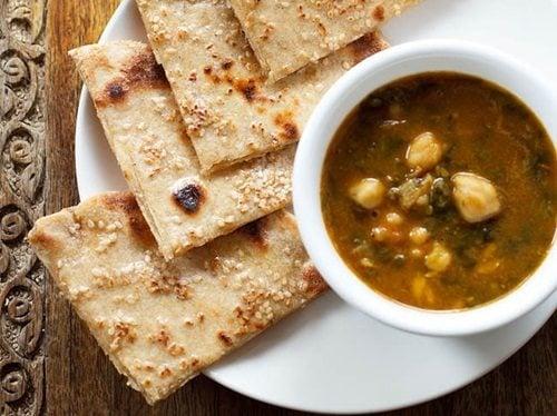 cheese garlic naan recipe on tawa