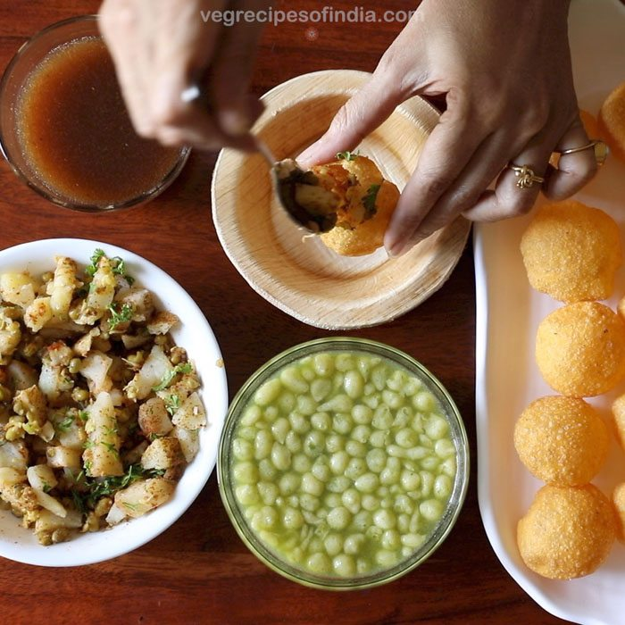 Pani puri recipe pani recipe for pani puri mumbai style pani making mumbai pani puri recipe forumfinder Choice Image