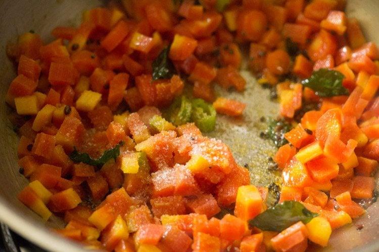 making carrot poriyal recipe