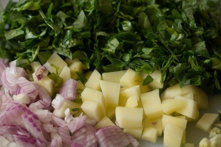 ingredients for making methi bhaji recipe