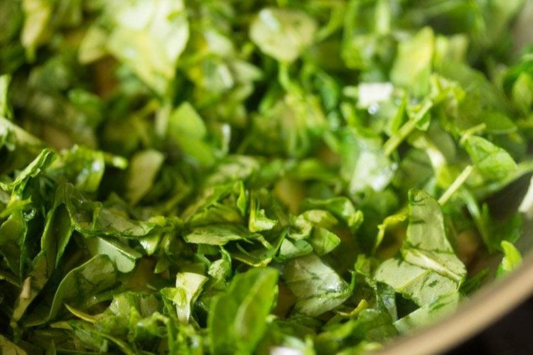methi for making methi bhaji recipe