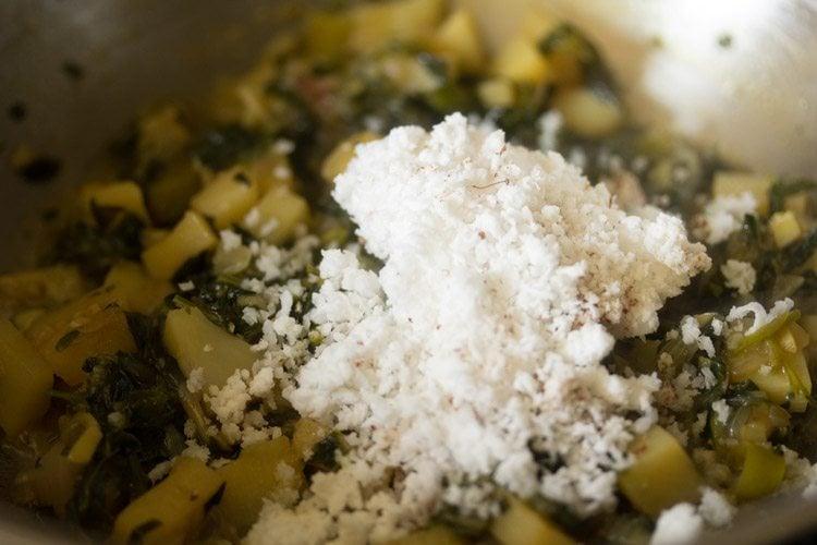 preparing methi bhaji recipe