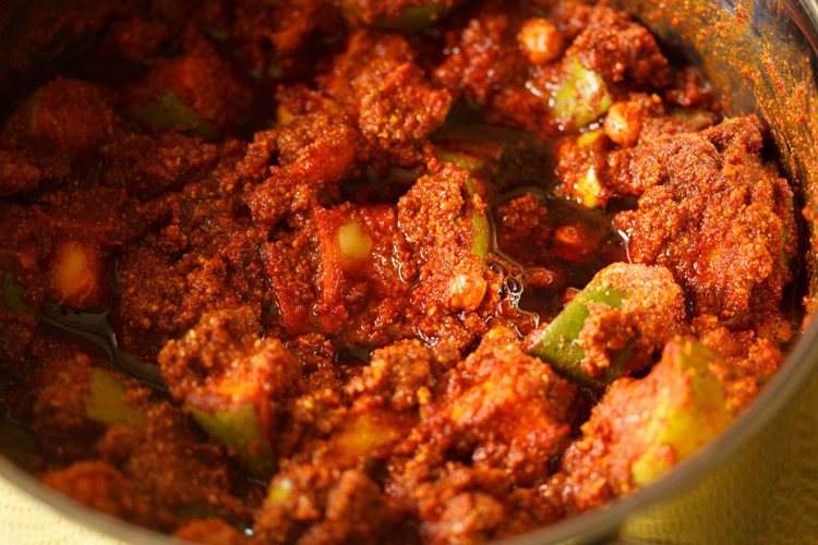 making andhra avakaya pickle recipe