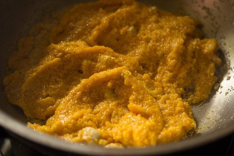 preparing mango kesari recipe