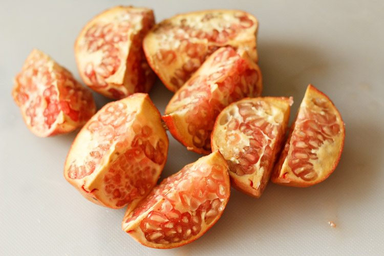 pomegranate to make pomegranate juice recipe