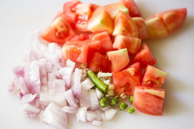 making aloo paneer masala recipe