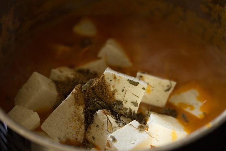 making aloo paneer recipe