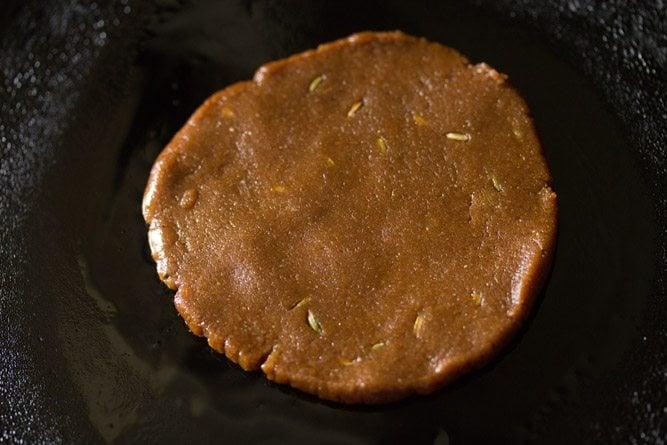 making gur ki roti recipe