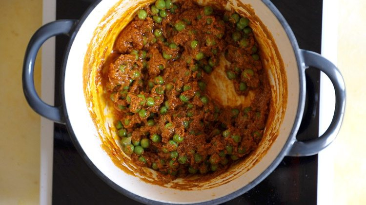 making dhaba style matar paneer recipe