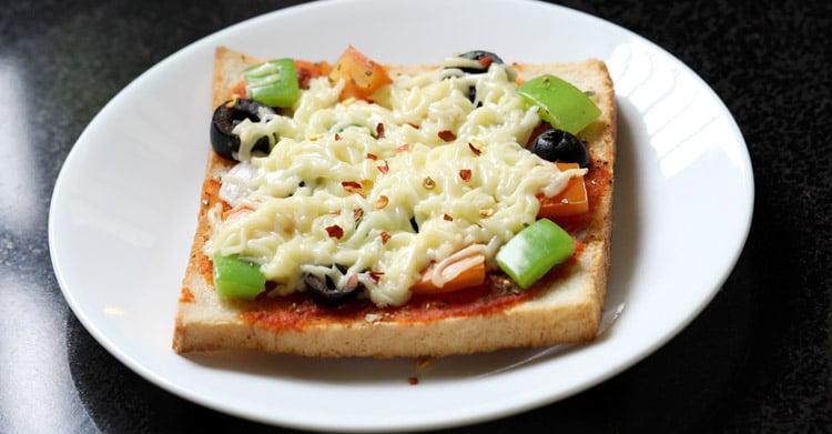 bread pizza recipe on tawa or pan