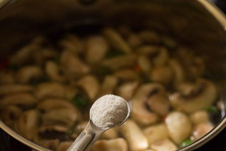 making tom yum soup recipe