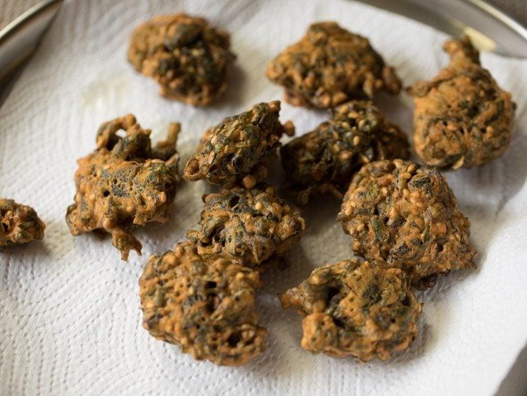arbi patta pakoda recipe