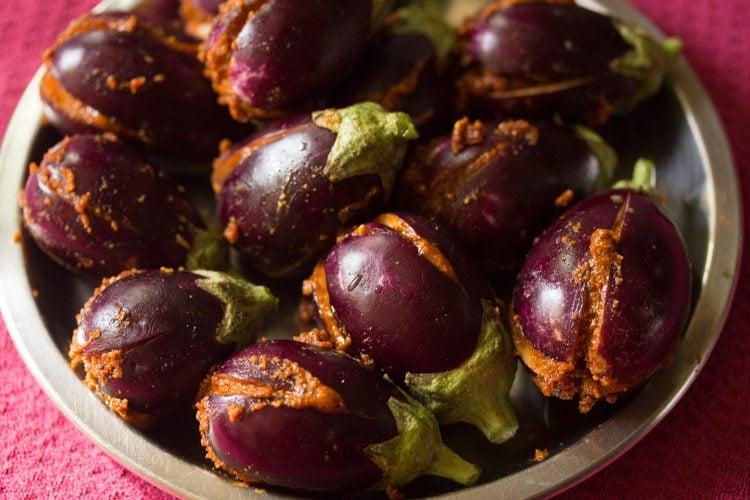 making badanekayi ennegayi recipe
