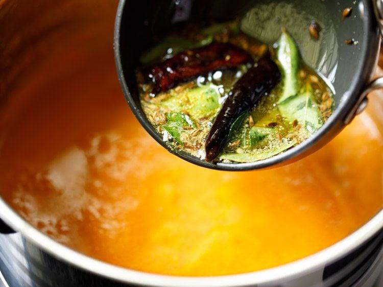 making tomato saar recipe