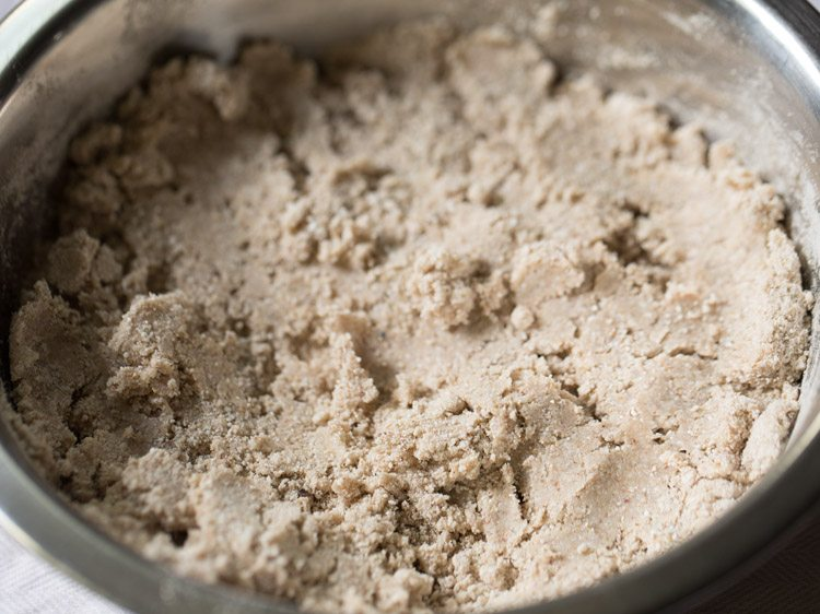 making kuttu ki poori recipe