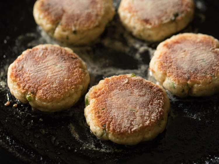 making paneer cheese cutlet recipe
