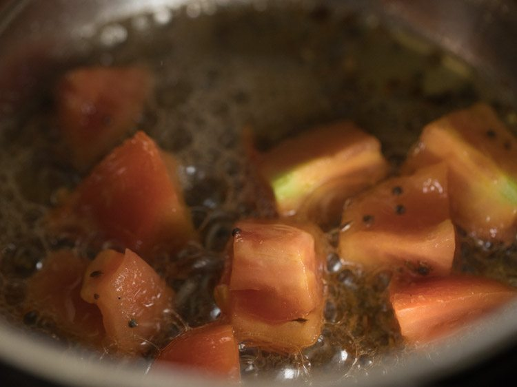 making flower batata rassa recipe