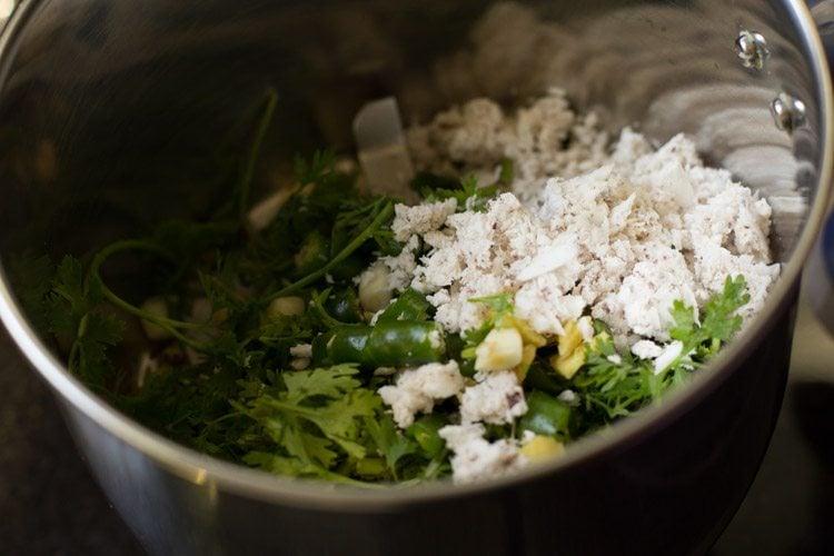 making masala puri chaat recipe