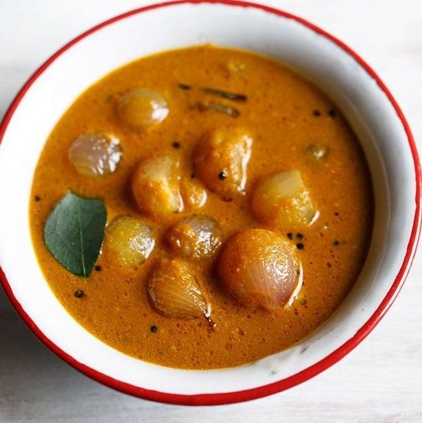 ulli theeyal recipe, small onion curry recipe