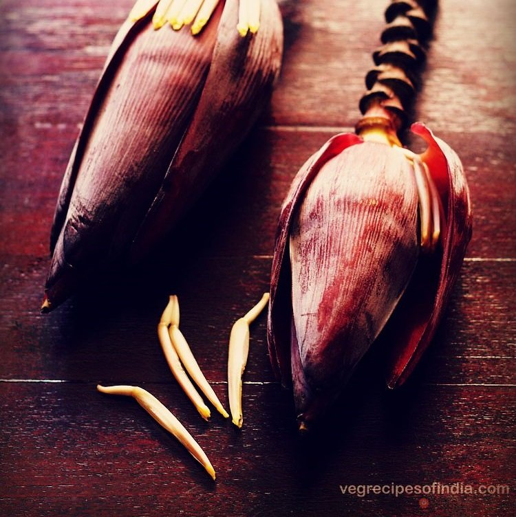method to clean and cut banana flower